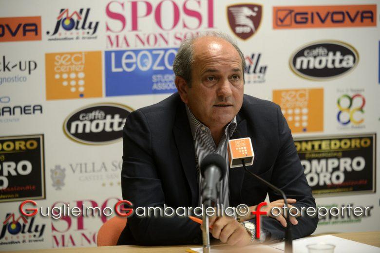 "La Curva Sud contesta Fabiani:""Vattene da Salerno"""